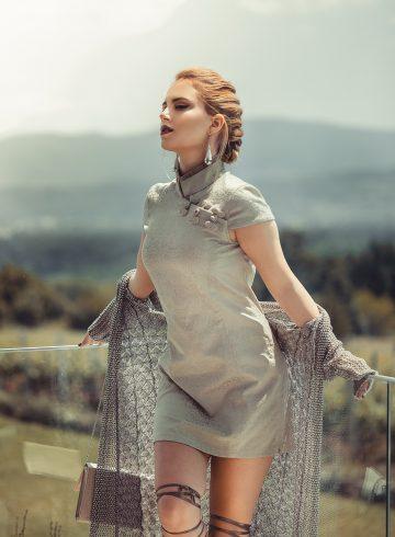코울넥 쉬스 드레스